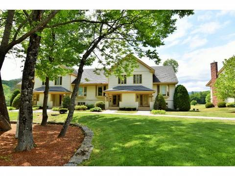 29 Wentworth Hall Ave #C, Jackson, NH 03846