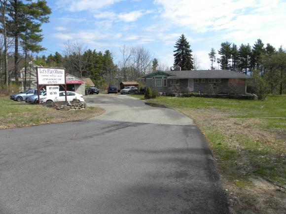 114 Rockingham Rd, Londonderry, NH 03053
