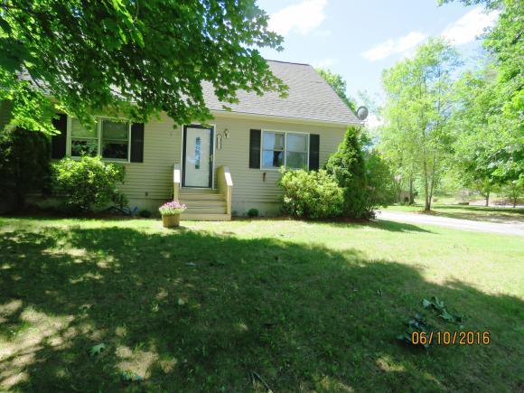 8 Russet Dr, Pittsfield, NH 03263