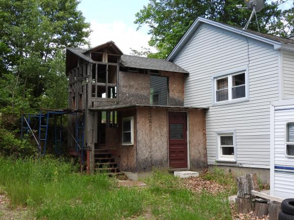 1236 Old Concord Road, Henniker, NH 03242