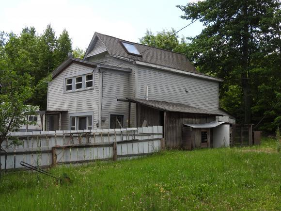 1236 Old Concord Rd, Henniker, NH 03242