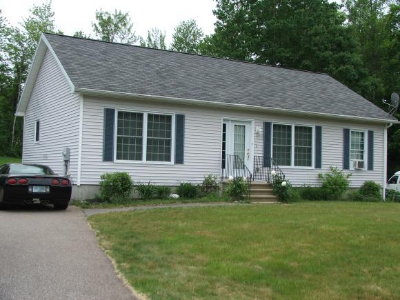 8 Lady Bug Ln, Franklin, NH 03235