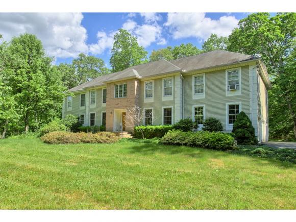 107 Castle Hill Rd, Windham, NH 03087