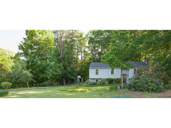 72 Village Grn, Henniker, NH 03242