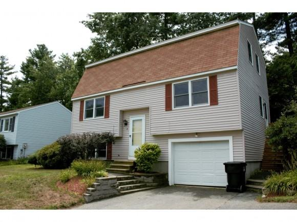 8 Copperfield Dr, Nashua, NH 03062