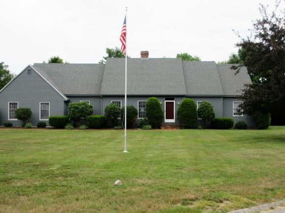 2 Fairway Dr, Dover, NH 03820