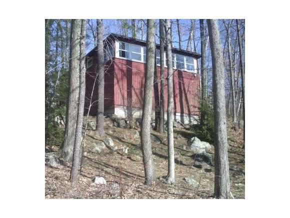 37 First St, Windham, NH 03087