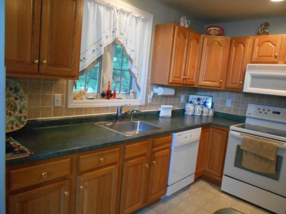 10 Lincoln Drive #10, Londonderry, NH 03053