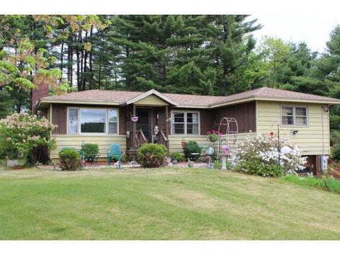 18 Monument Rd, Hinsdale, NH 03451