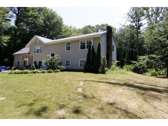 7 Westwood Dr, Londonderry, NH 03053