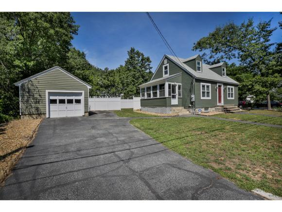 137 Rochelle Ave, Manchester, NH 03102