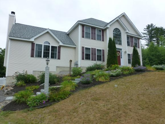 68 Rolling Hills Dr, Weare, NH 03281