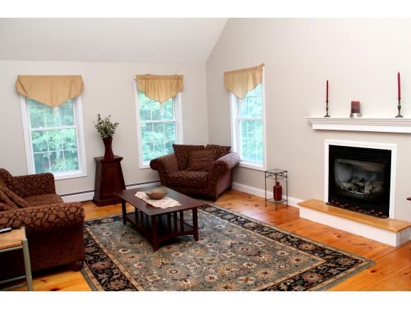 272 Mccollum Road, New Boston, NH 03070