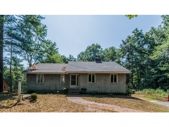 63 Lawrence Rd, Derry, NH 03038