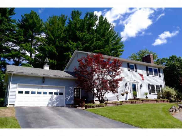 4 Mockingbird Ln, Hudson, NH 03051