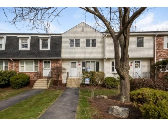 6 Oakwood Ln #4, Goffstown, NH 03045