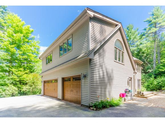 16 Mont Vernon Road, Amherst, NH 03031