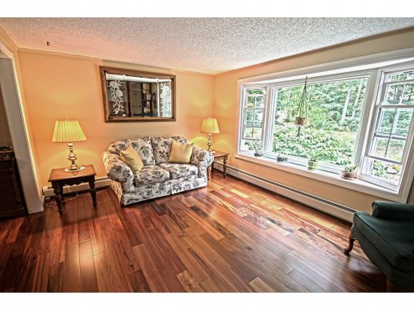 10 Mountain Home Road, Londonderry, NH 03053