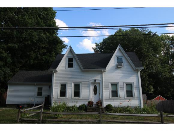 18 Academy St, Epping, NH 03042