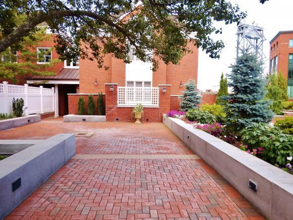 135 Bow St #16, Portsmouth, NH 03801
