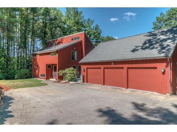 20 Old Manchester Rd, Amherst, NH 03031