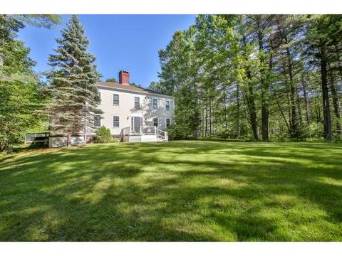 208 Stoney Brook Rd, New London, NH 03257