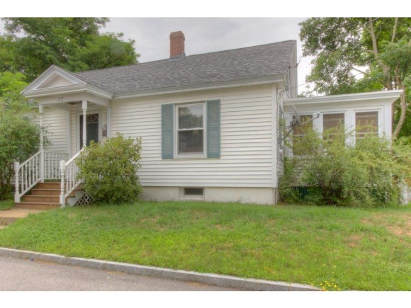 22 Washington St, Rochester, NH 03867