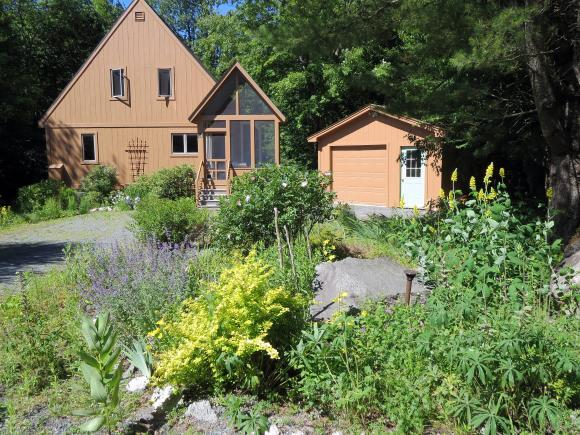 14 Mill Pond Rd, Grantham, NH 03753