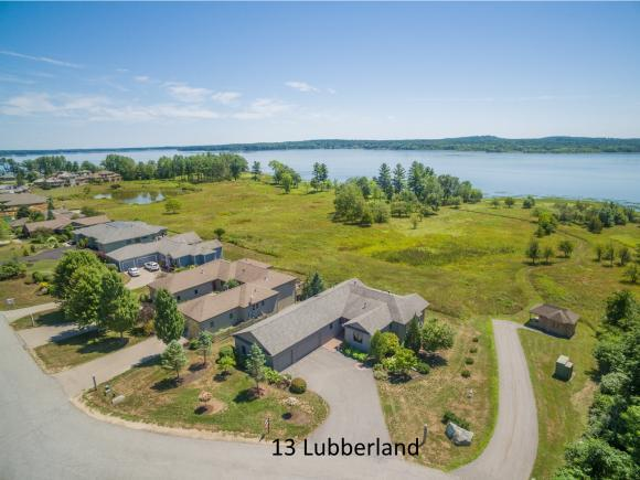 13 Lubberland Dr, Newmarket, NH 03857
