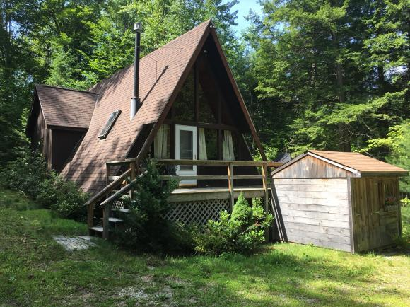 11 Island Dr, Madison, NH 03849