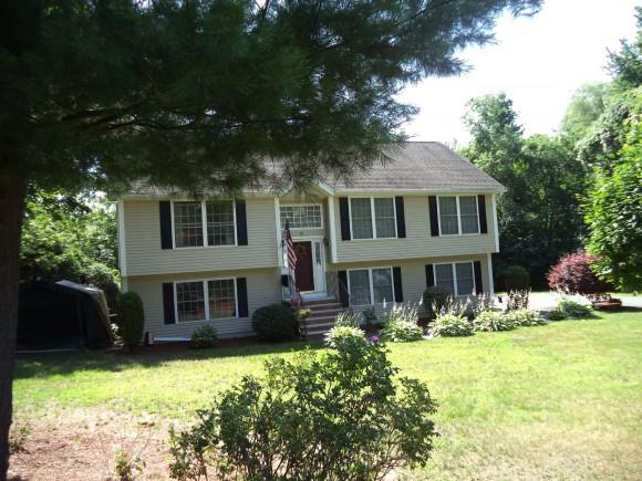 12 S Railroad Ave, Derry, NH 03038