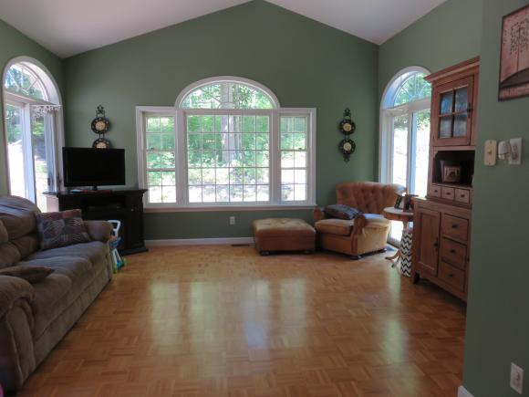 635 Dolly Road, Hopkinton, NH 03229