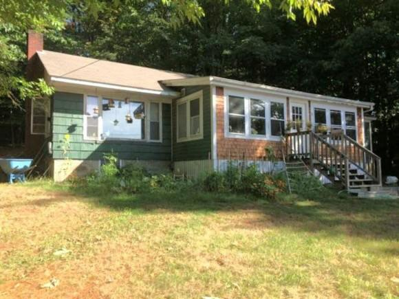 38 Meadow St, Sanbornville, NH 03872