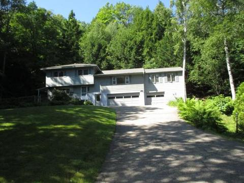 12 Ivy Ln, Plymouth, NH 03264