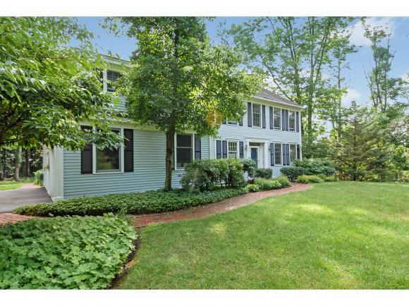 5 Morning Star Dr, Stratham, NH 03885