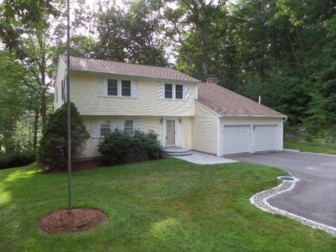 17 Country Club Estates Dr, Dover, NH 03820
