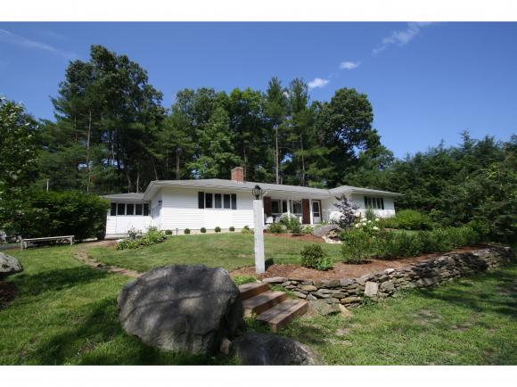 2 Eastbrook Dr, Nashua, NH 03060