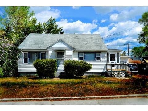 78 Young St, Manchester, NH 03103
