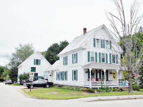 27 Pleasant St, Conway, NH 03818