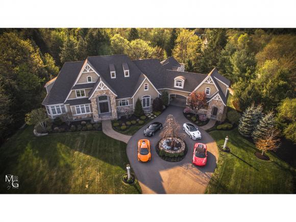 1 Willowbrook Ct, Bedford, NH 03110