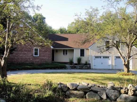 39 Smith Rd, Bedford, NH 03110