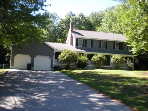 4 Grand View Rd, Pelham, NH 03076