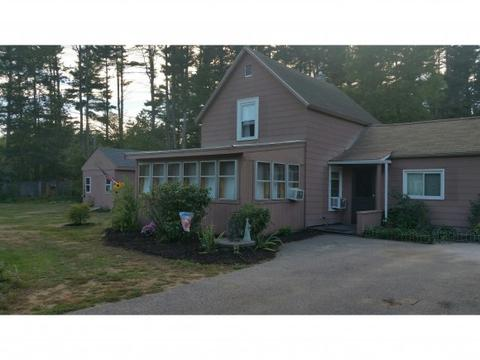 3 Cemetery Rd, Rochester, NH 03839