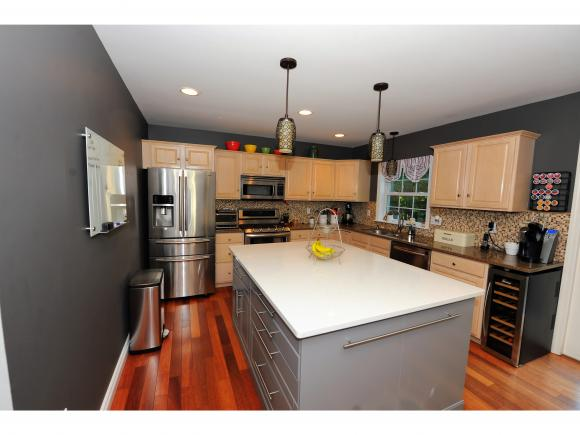 26 Exeter Farms Road, Exeter, NH 03833