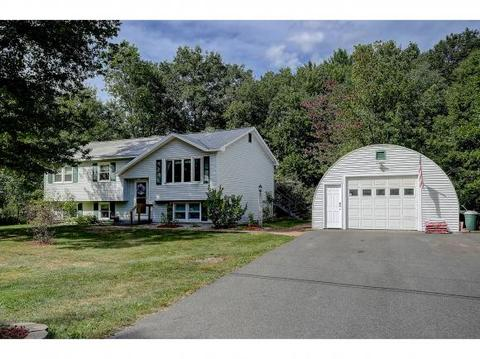 49 Valleyview Dr, Merrimack, NH 03054