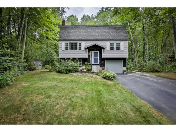 7 Seminole Pl, Londonderry, NH 03053