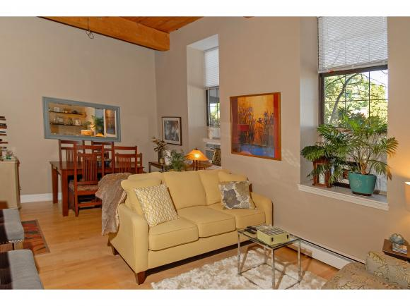 156 Front Street #101, Exeter, NH 03833