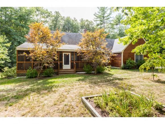 4 Oak Ridge Rd, Nottingham, NH 03290