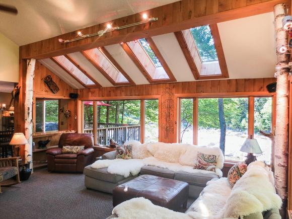 24 River View Dr, Lincoln, NH 03251