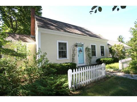 33 Middle St, Amherst, NH 03031